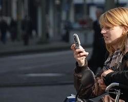 mobile advertising mobiel (CC) http://www.flickr.com/photos/faceme/1980593269/