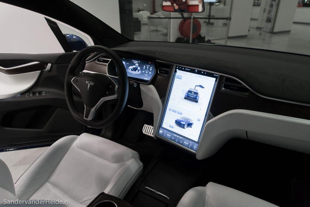 Tesla-Model-X-Tilburg-0107