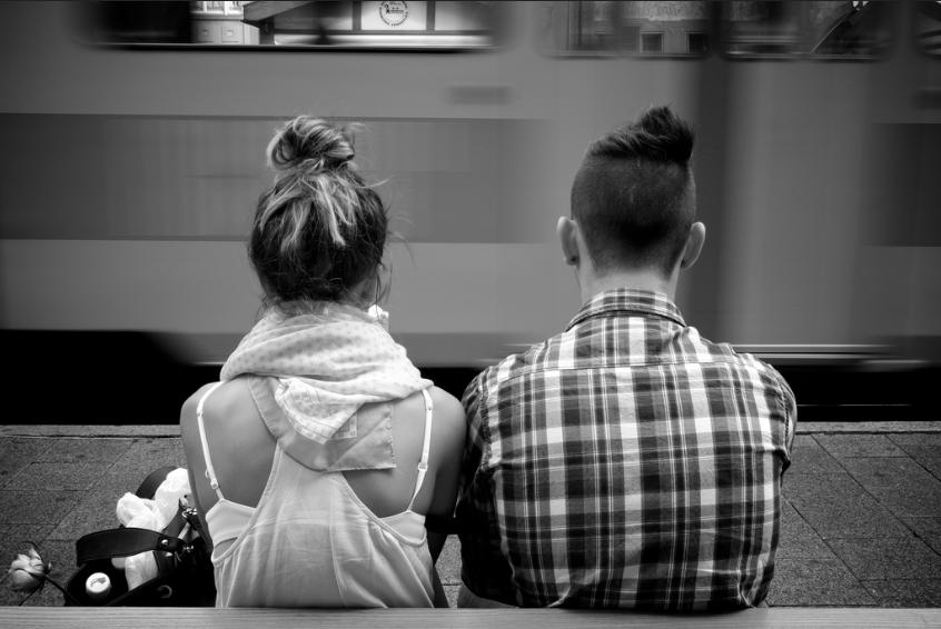 Creative online dating groeten Dating uw kamergenoot broer