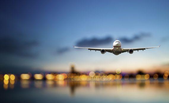 -luchtvaartmaatschappijen-investeren-in-iot-en-self-service
