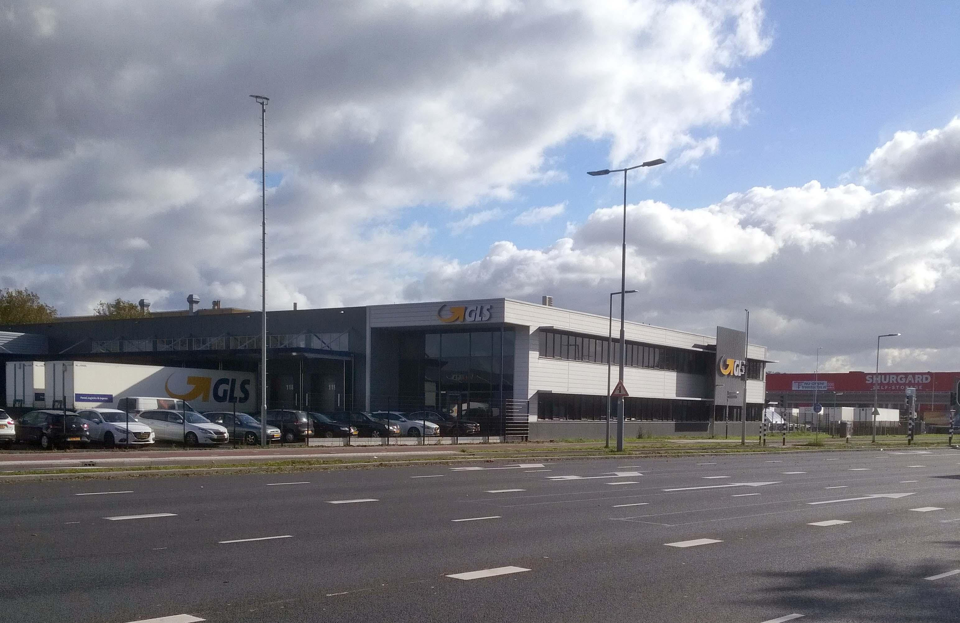 Pakket En Vrachtdienst Gls Breidt Rotterdamse Depot Uit