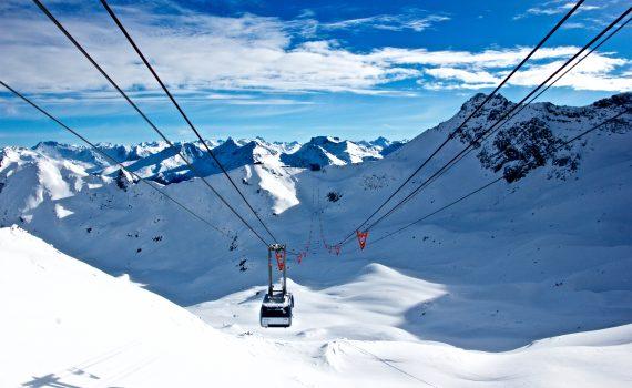 -canada-en-zweden-in-de-lift-als-wintersportbestemming