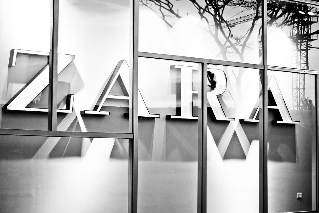 Winkels Zara Krijgen Robothulpjes Emerce