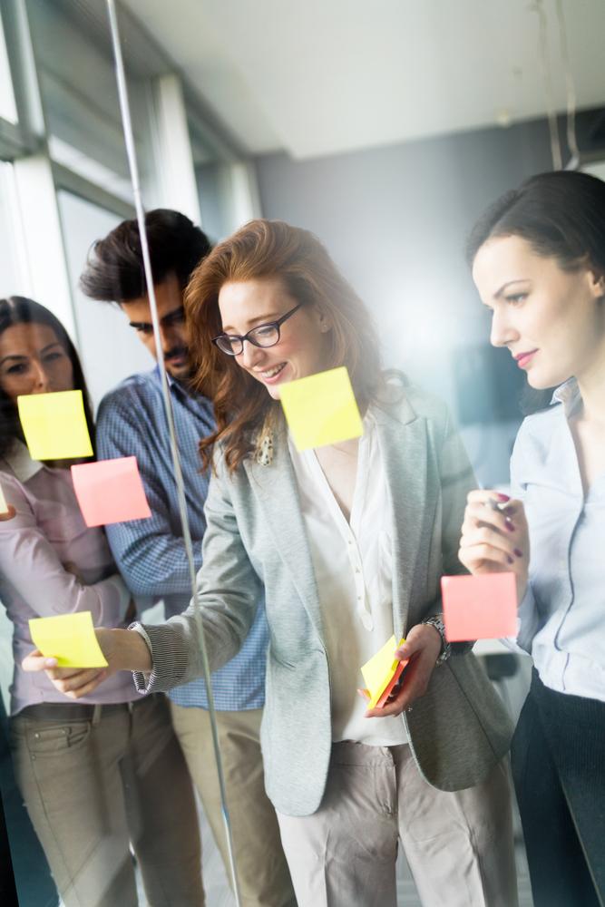 Creëer een optimale balans tussen menselijk talent en AI