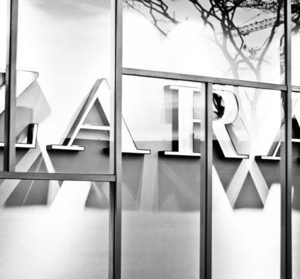 قيمة التداول الإنترنت Inditex (Zara) 6766072765_13a233b10